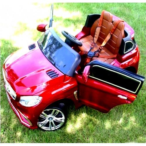 Automobil na akumulator Mercedes AMG crveni
