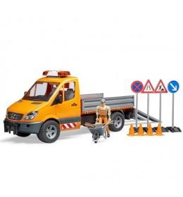 Kamion MB Sprinter putar sa figurom Bruder 025373