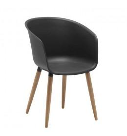 Baštenska stolica od plastike i drveta